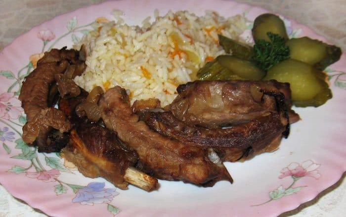 Маринованные свиные ребрышки запеченные в духовке - рецепт с фото