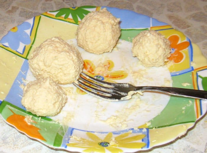 Фото рецепта - «Цыплятки» для ребяток – завтрак для детей - шаг 3