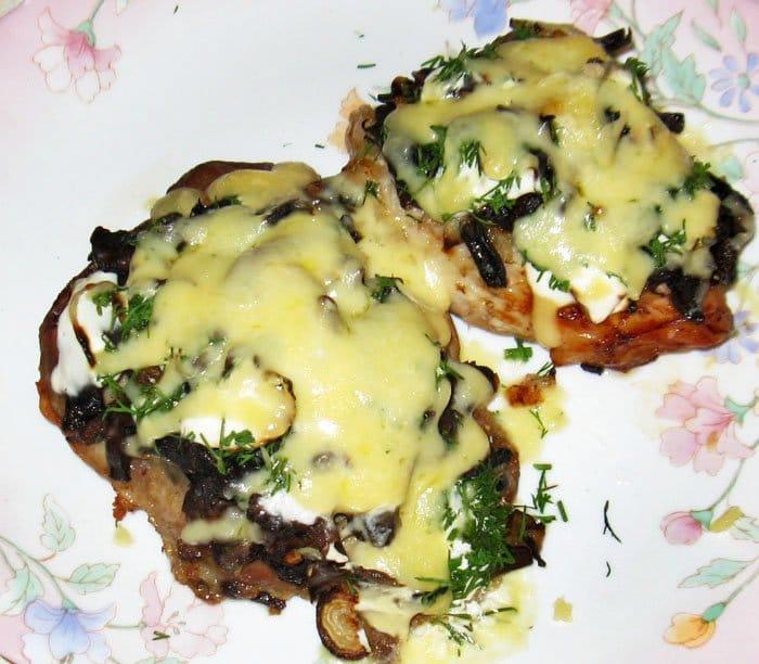 Мясо по-французски с грибами - рецепт с фото