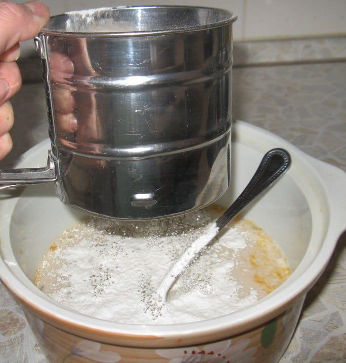 Фото рецепта - Булочки «Жаворонки» на 22 марта - шаг 1