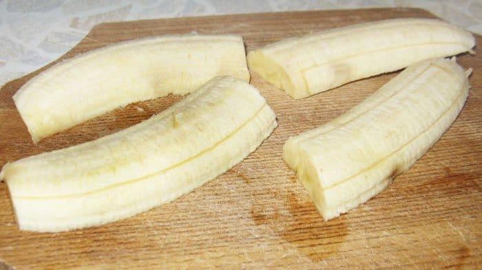 Фото рецепта - Бананы в шоколаде с мороженым - шаг 2
