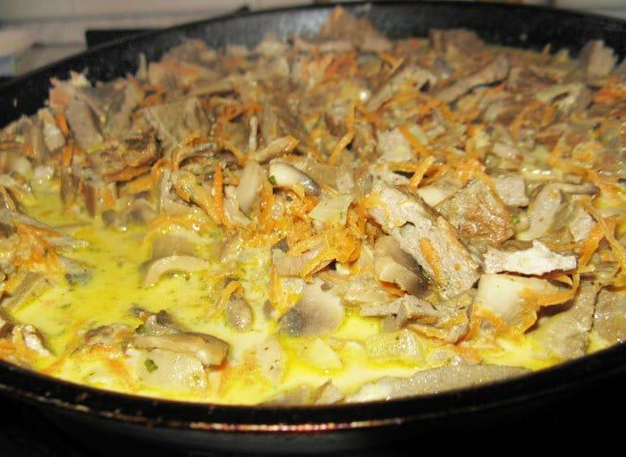 Фото рецепта - Говяжья печень с грибами - шаг 11