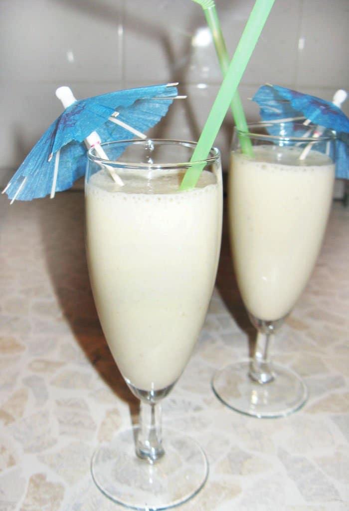 Молочный банановый коктейль с медом