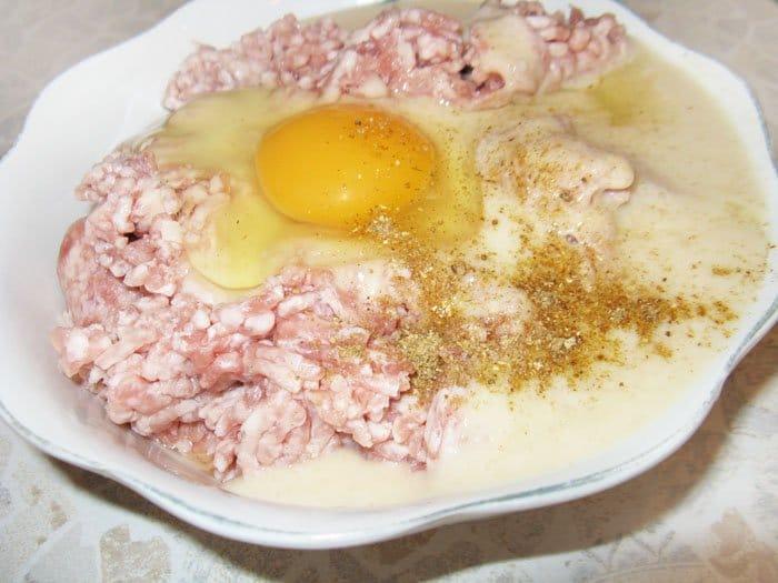 Как приготовить рулет из фарша и яйца