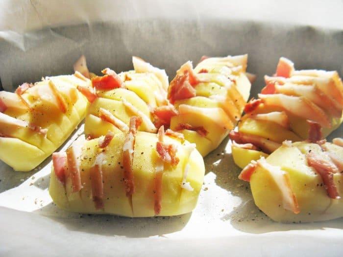 Фото рецепта - Запеченный картофель с беконом - шаг 3