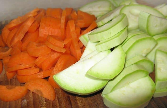Фото рецепта - Маринованная куриная печень с овощами - шаг 4