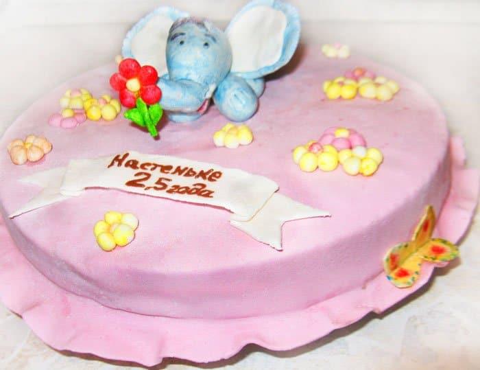 Торт с мастикой «Слон на лужайке»