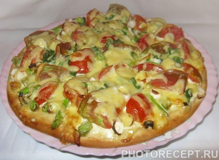 Пицца со спаржей и помидорами