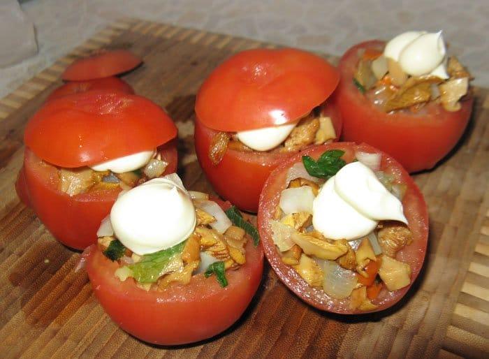Фото рецепта - Помидоры, фаршированные грибами и кольраби - шаг 4