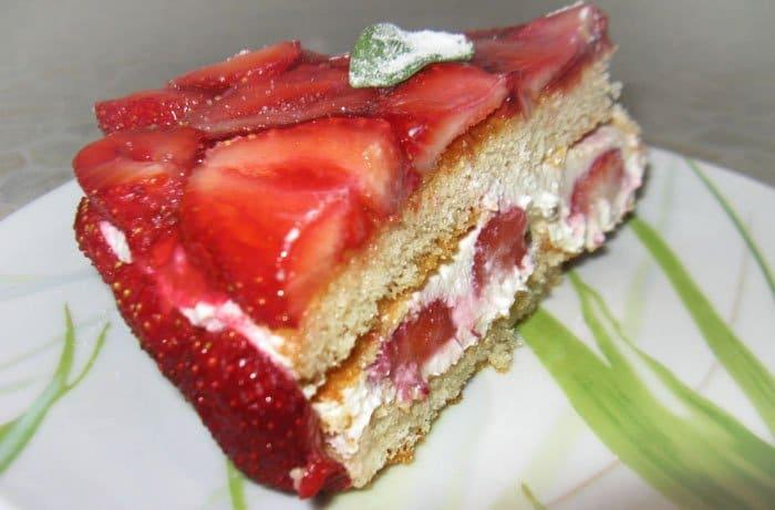 Фото рецепта - Торт с клубникой - шаг 8