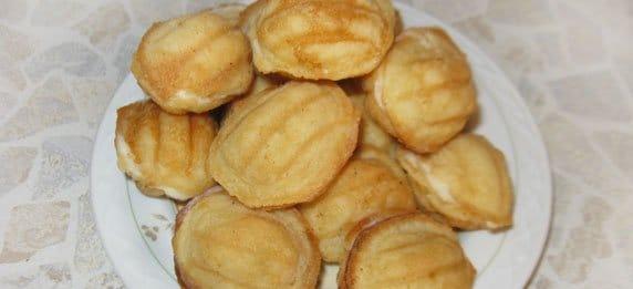 Сладкие орешки с заварным кремом
