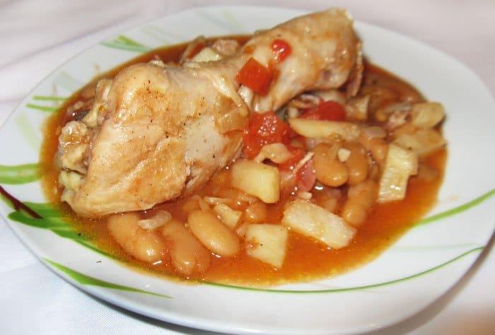 Куриные ножки с фасолью и сельдереем
