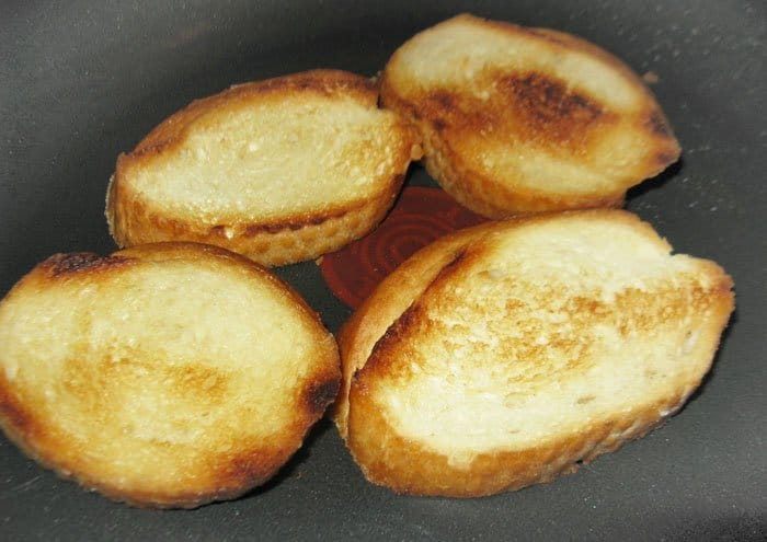 Фото рецепта - Пинчос с сардинами (бутерброды) - шаг 2