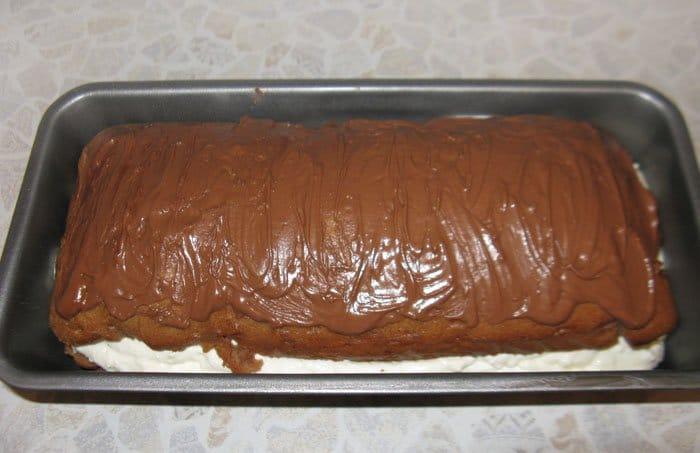 Фото рецепта - Шоколадный кекс с творожной начинкой - шаг 11