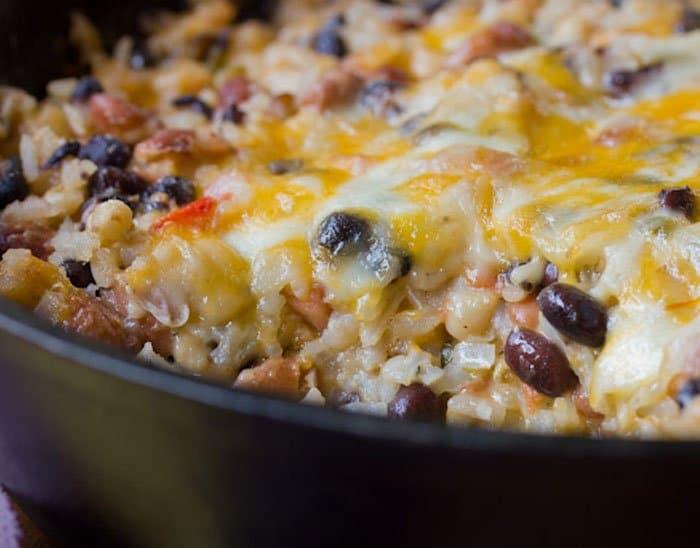 Фасоль с рисом, запеченная под сыром - рецепт с фото