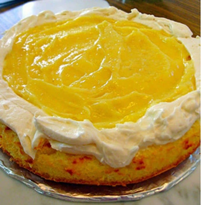 Фото рецепта - Лимонный торт «Жираф» с творожным кремом - шаг 5