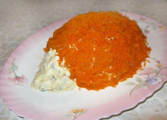 Фото рецепта - Печеночный салат с зеленым горошком - шаг 7