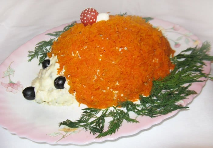 Печеночный салат с зеленым горошком - рецепт с фото