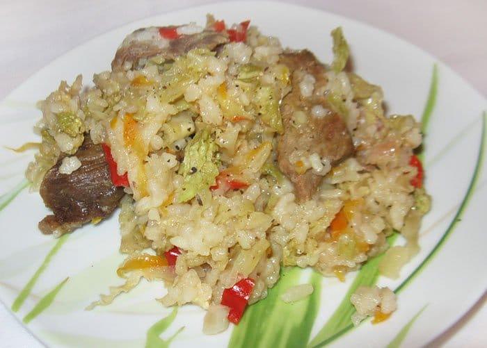 Тушеная савойская капуста с говядиной и рисом - рецепт с фото