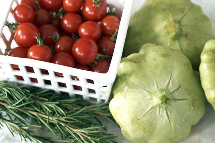 Фото рецепта - Жареные патиссоны с помидорами - шаг 1