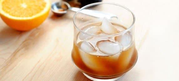 Алкогольный коктейль из инжира