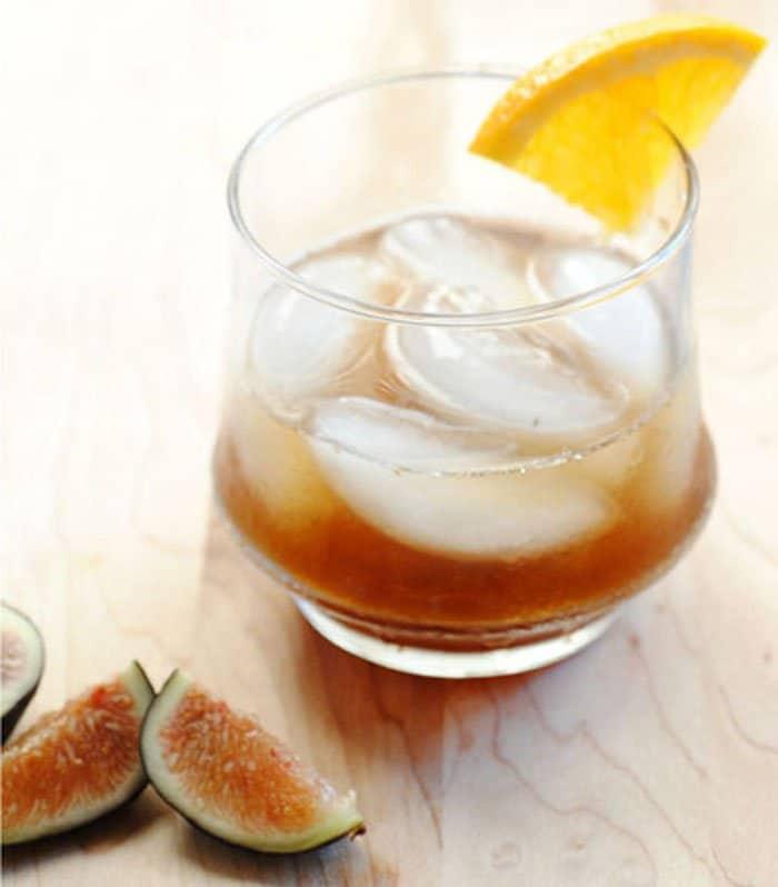Алкогольный коктейль из инжира - рецепт с фото