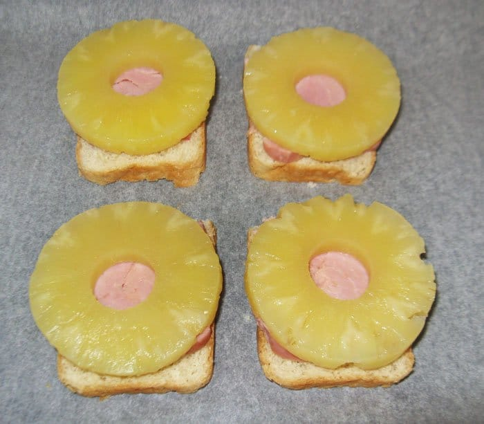 Фото рецепта - Гавайские тосты - шаг 3