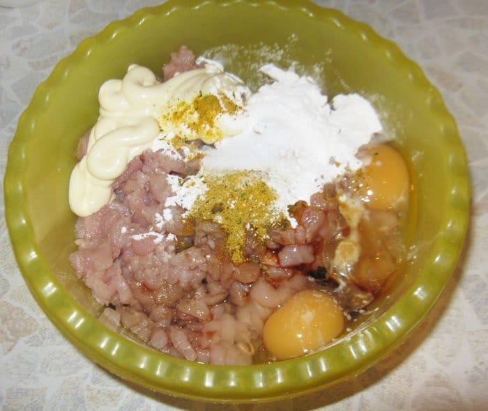 Фото рецепта - Котлеты из куриного филе с сыром - шаг 3