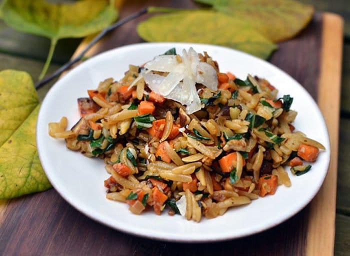 Макароны Орзо с морковью и грибами