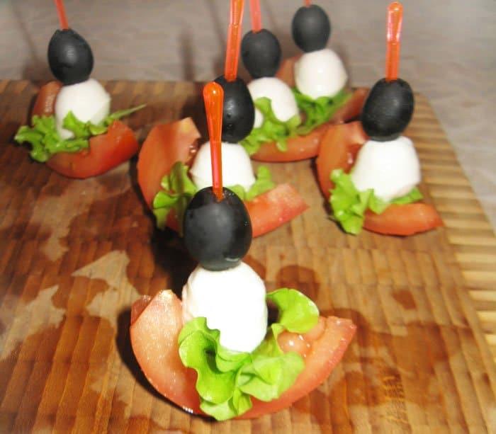 Фото рецепта - Канапе «Помидорная лодка Kaprize» и канапе с креветками - шаг 2