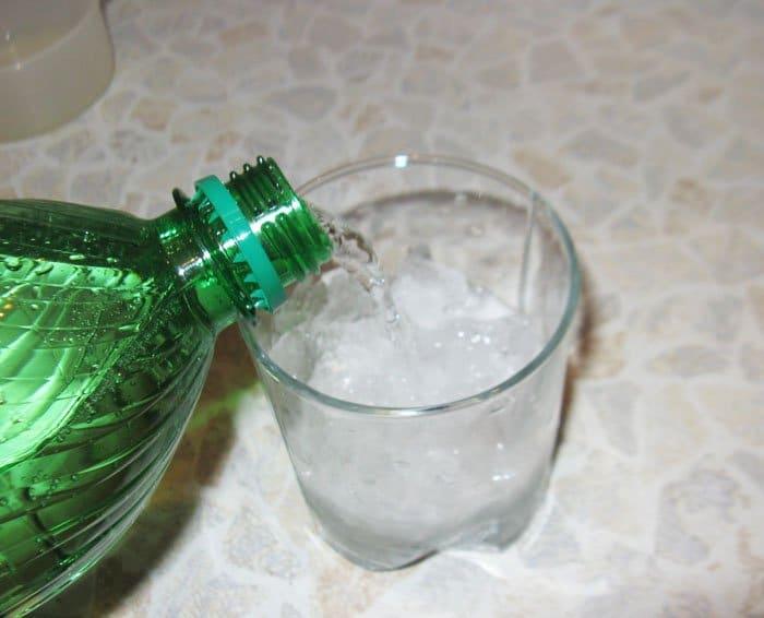 Фото рецепта - Коктейль «Зеленое озеро» - шаг 3