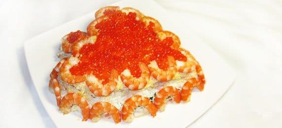 Праздничный салат из морепродуктов с любовью