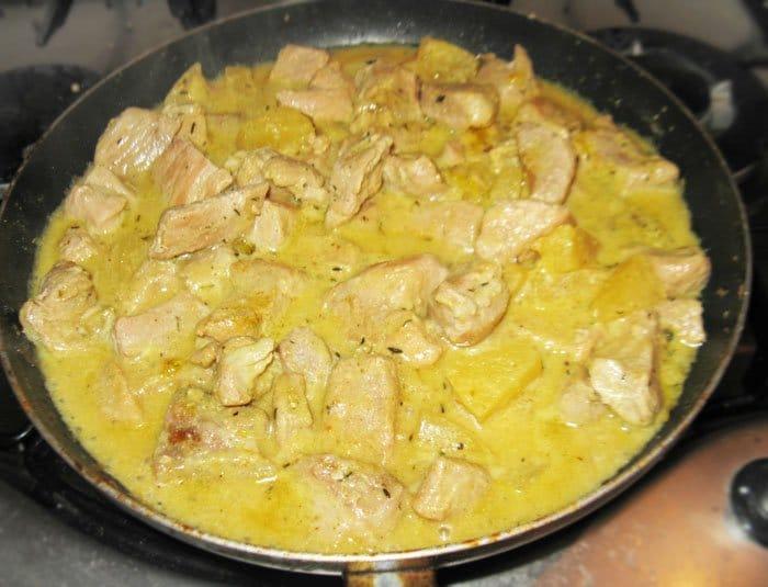 Фото рецепта - Свинина с ананасами - шаг 7