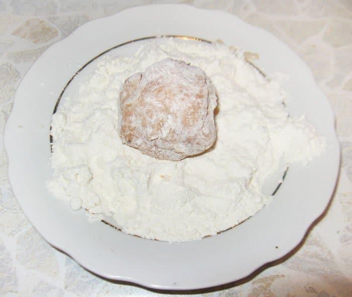 Фото рецепта - Мясные шарики с моцареллой - шаг 4