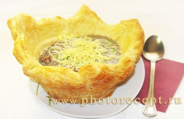 Свинина с грибами в хлебном горшочке - рецепт с фото