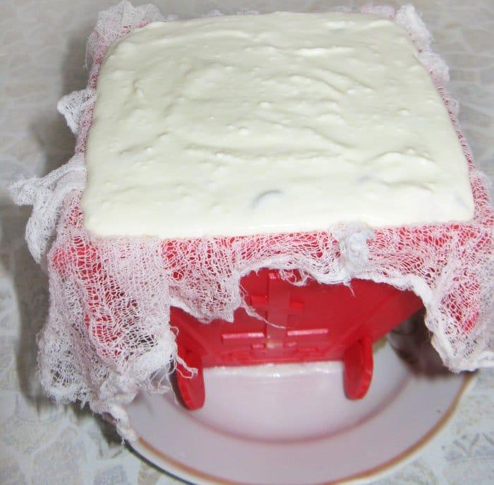 Фото рецепта - Творожно-сметанная пасха со сгущенкой - шаг 6