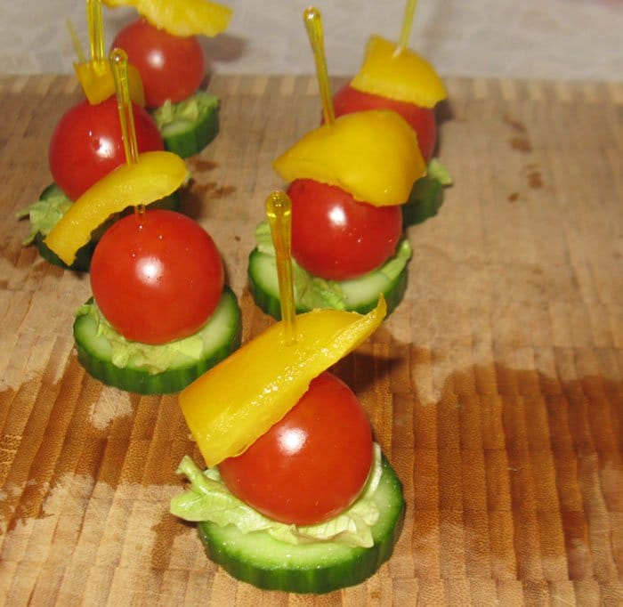 Фото рецепта - Канапе из овощей. Вариант 1 - шаг 3