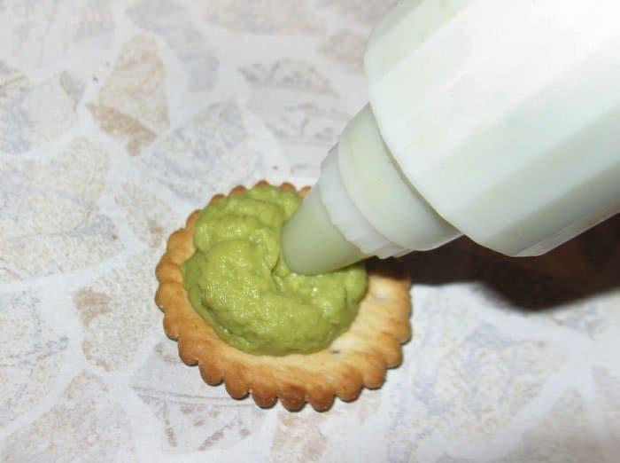 Фото рецепта - Паштет из зеленого горошка и авокадо с мятой - шаг 4