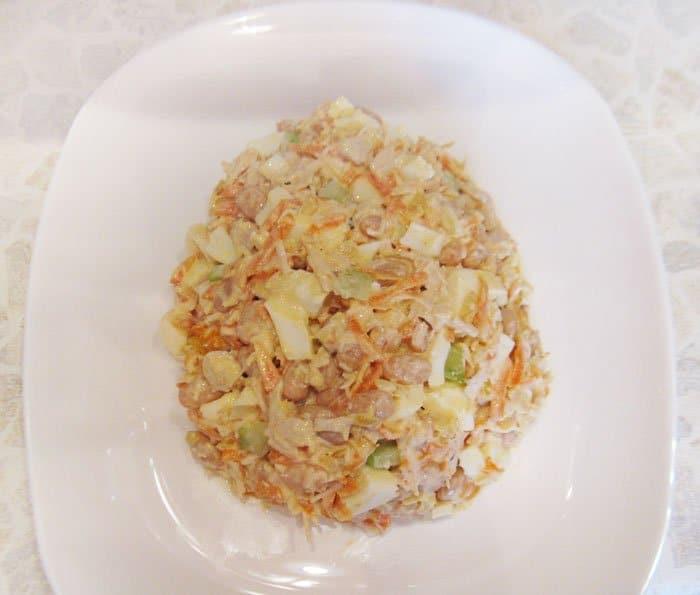 Фото рецепта - Салат «Пасхальное яйцо» - шаг 5