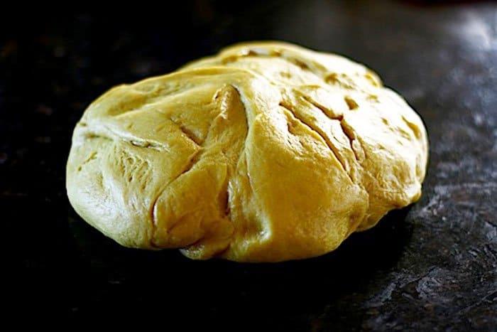Фото рецепта - Сладкий дрожжевой хлеб на молоке - шаг 2
