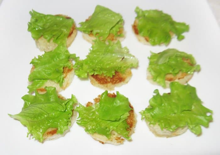 Фото рецепта - Фаршированные помидоры черри с творожным сыром - шаг 5