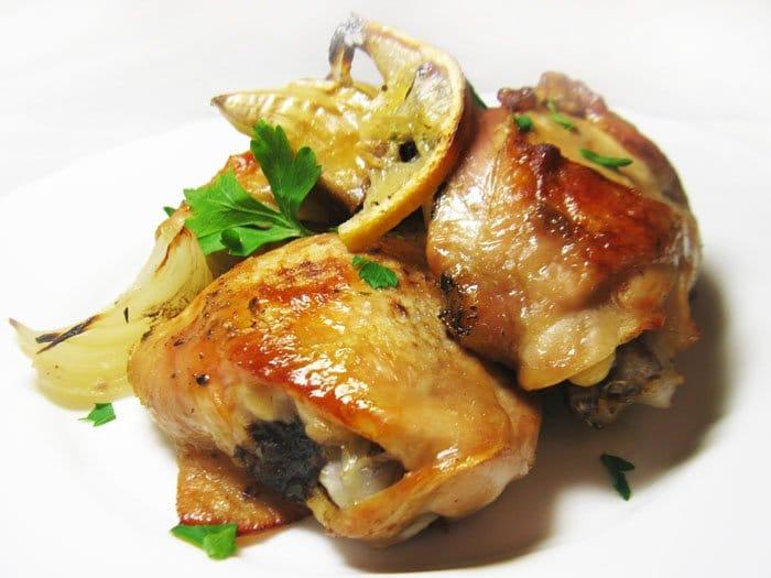 Фото рецепта - Курица, запеченная с лимоном и белым вином - шаг 3