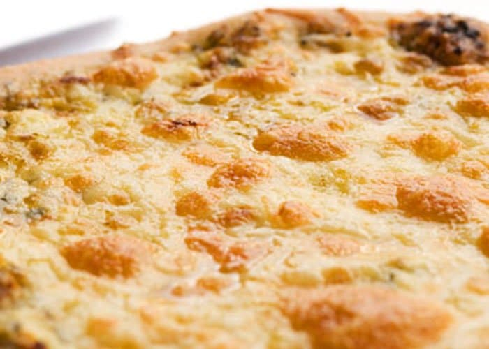 Фото рецепта - Тесто для пиццы с манной крупой - шаг 5