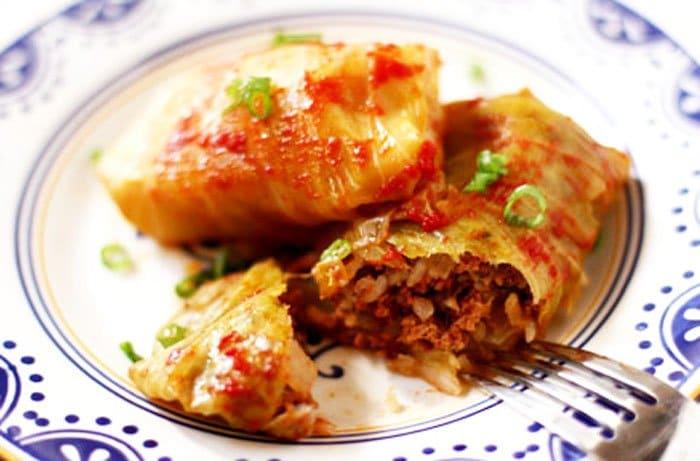 Голубцы с мясом, рисом и зеленью - рецепт с фото