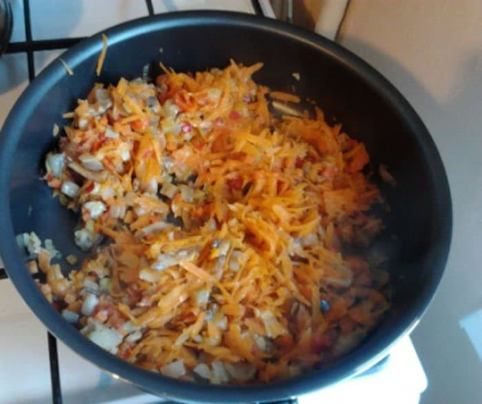 Фото рецепта - Рис с креветками и овощами - шаг 5