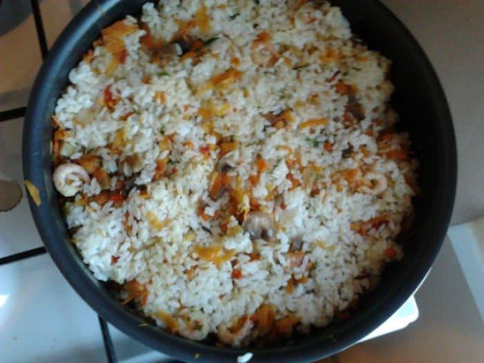 Фото рецепта - Рис с креветками и овощами - шаг 7