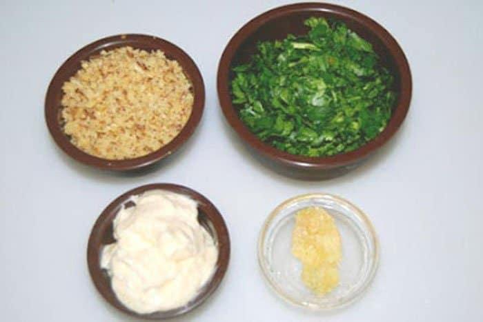 Фото рецепта - Рулетики из баклажанов с чесноком и орехами - шаг 3