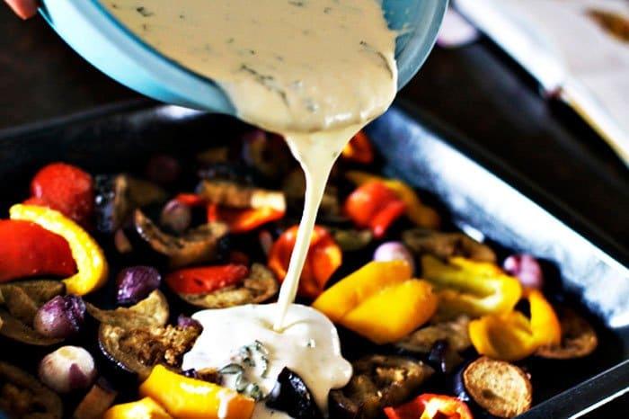 Фото рецепта - Жареные овощи, запеченные в тесте - шаг 2
