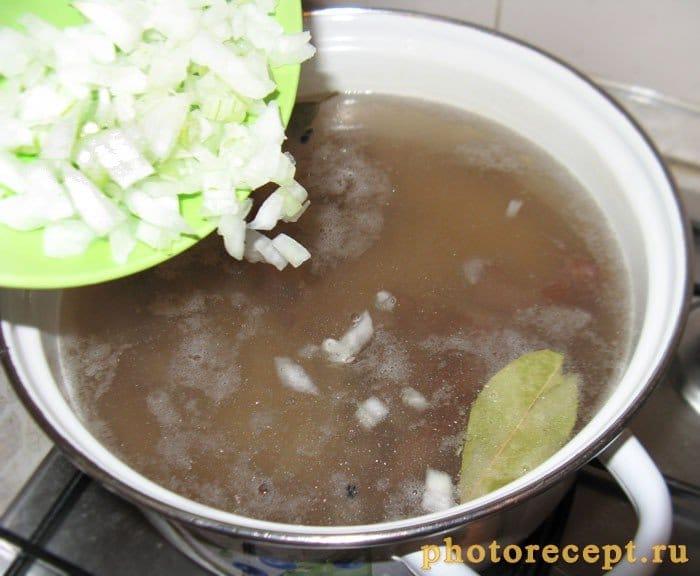 Фото рецепта - Щи без обжарки на ребрышках со свежей капустой - шаг 3