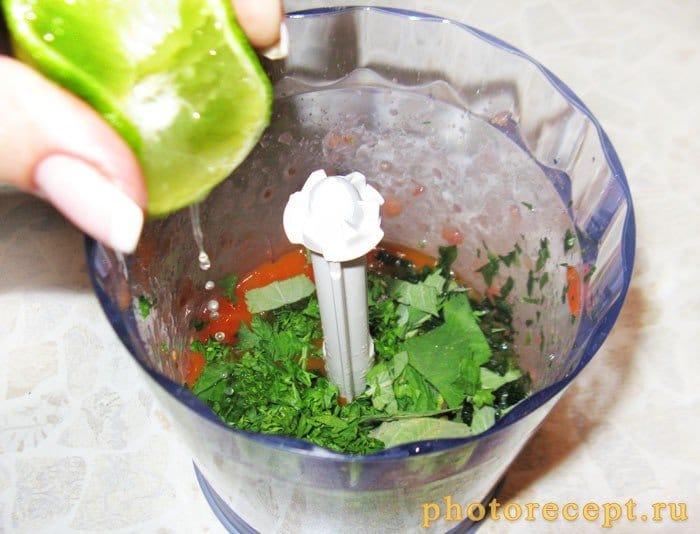 Фото рецепта - Томатный смузи с сельдереем и морковным соком - шаг 4